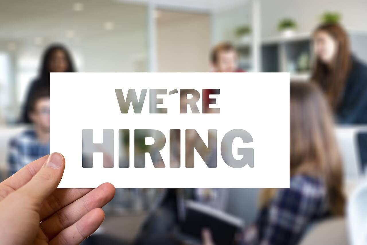 求人に関する転職エージェントと就職エージェントのメリットとデメリット